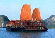 Visit Cua Van fishing village with Violet cruise