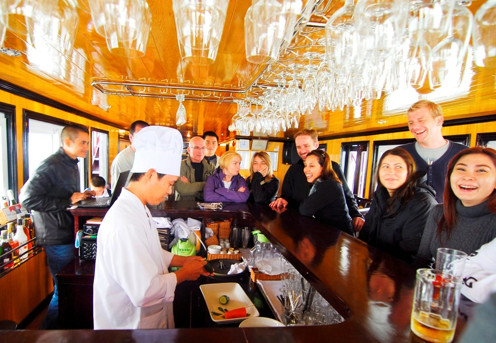Alova cruise is the best choice for the people to get and tasteful Vietnamese food