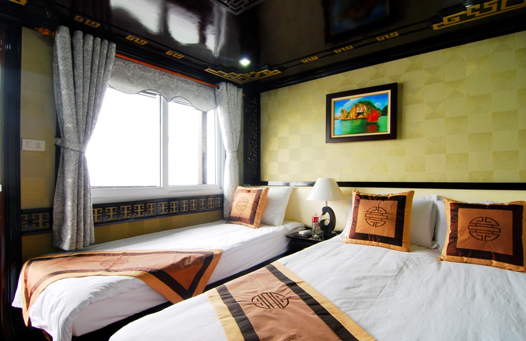 Discover the mysterious Halong Bay on Alova Gold Cruise