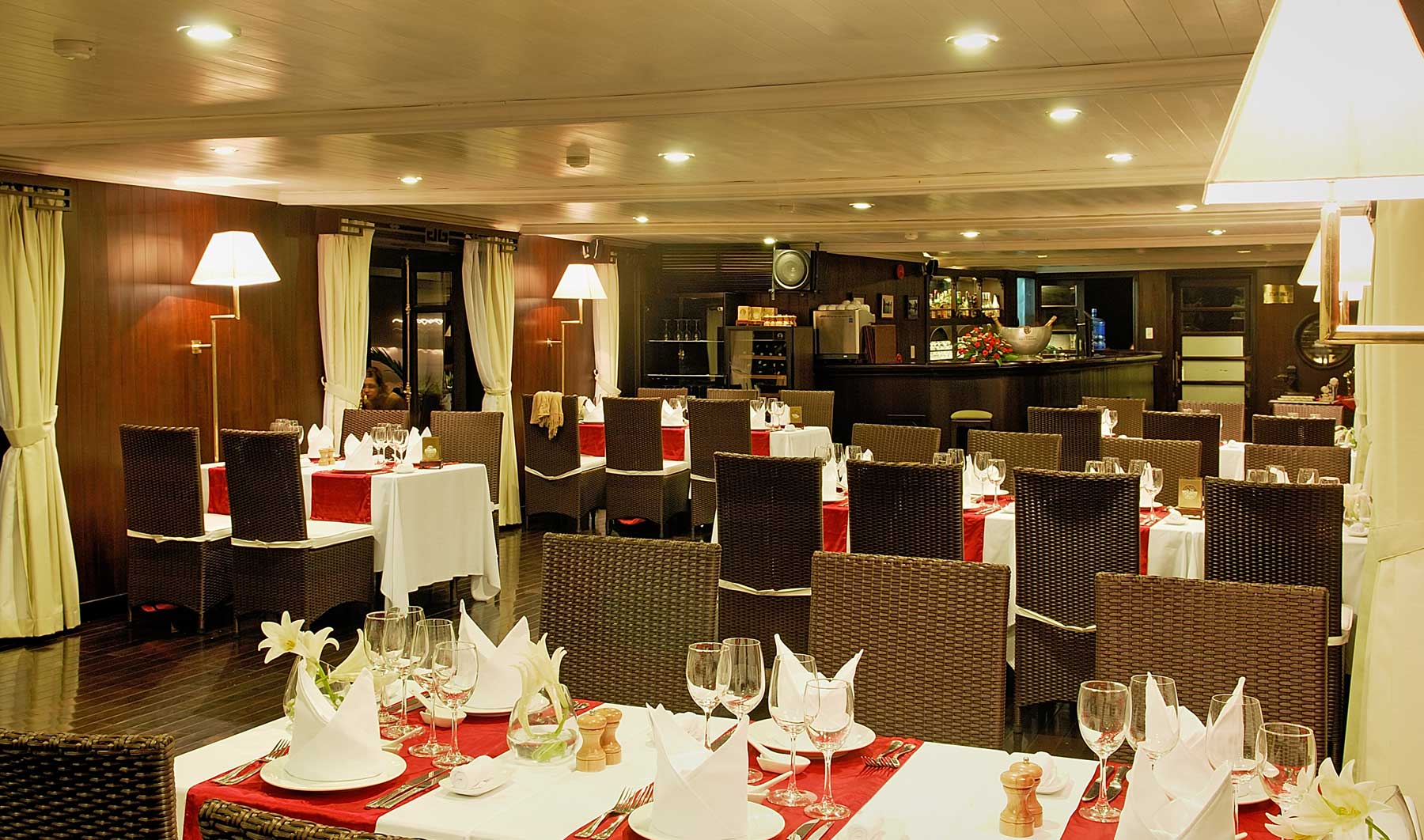 Vietnamese Seafood & International Dishes