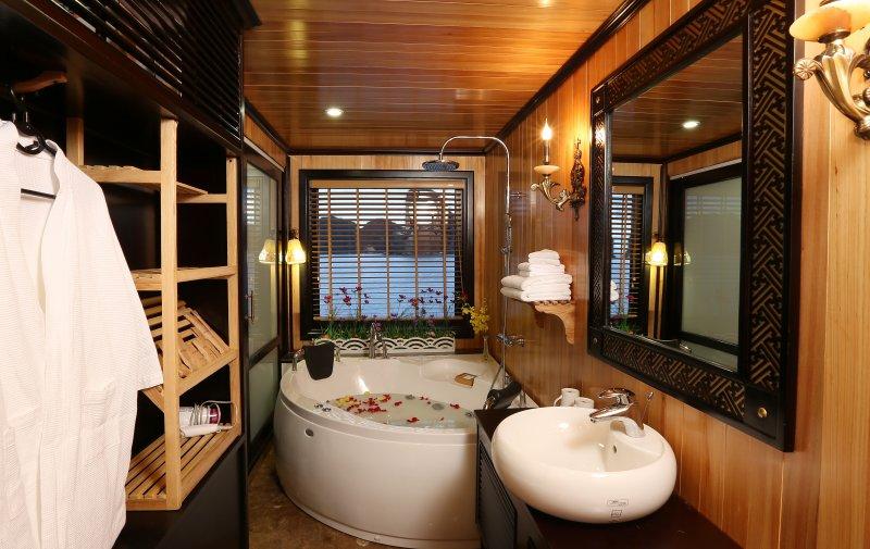 Bathroom  on Starlight cruise