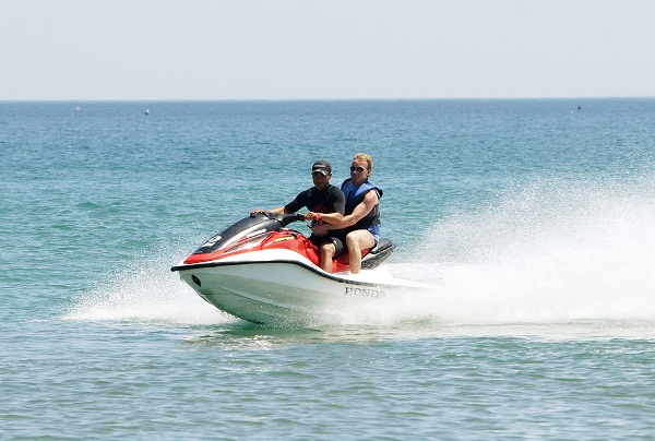 Motor riding on Bai Chay sea