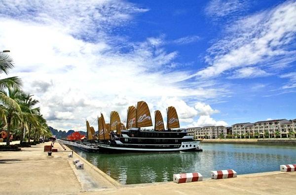 Tuan Chau marina