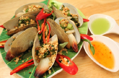 Steamed geoduck