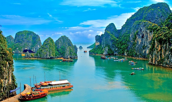 The spectacular and unique beauty of Halong Bay