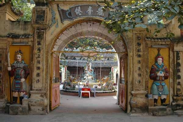 Entrance of Long Tien Pagoda