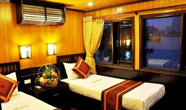 An opulent cabin in Bai Tho Junk