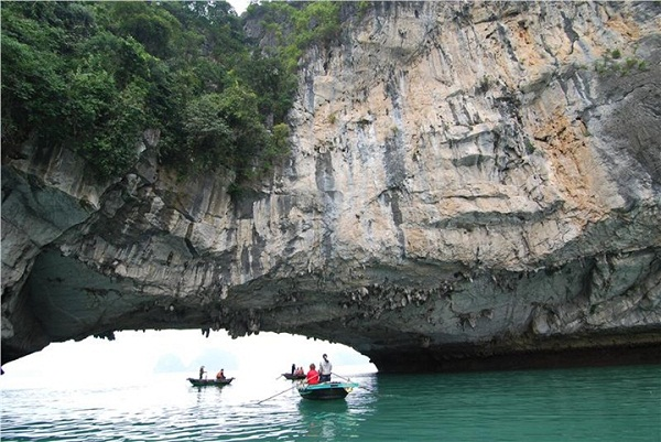 Luon Cave seen from the close lake inside