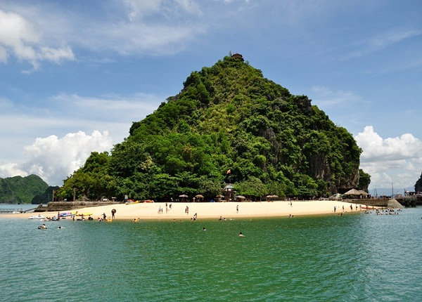Tranquility of Titop Island and its beach