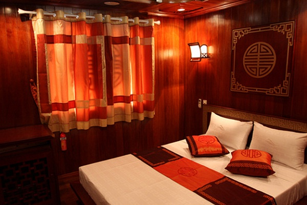 The cabin on the Phoenix Cruise Halong Bay