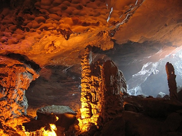 Magnificent beauty of Sung Sot Cave