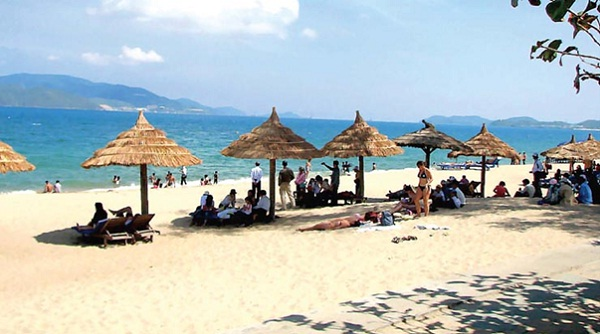 Poetic beauty of Bai Chay beach