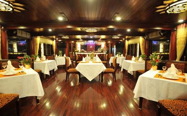 Calypso Cruise's restaurant