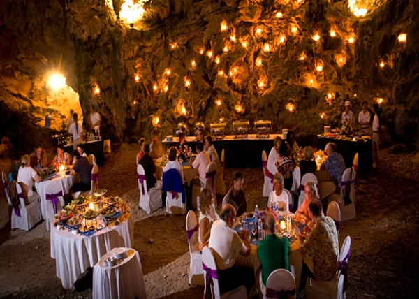 A dinner in cave brings a warm welcome and romance
