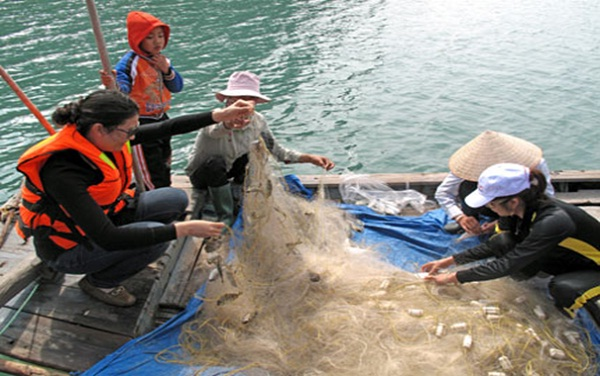 A foreign traveller is interested in being a fisherman