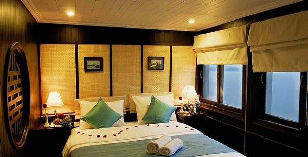 Bhaya Legend's cabin