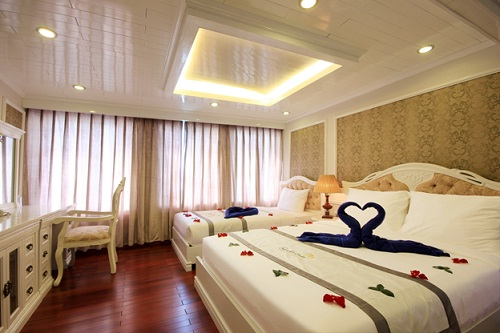 Signature Halong Cruise's cabin