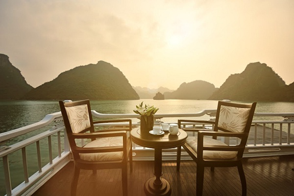 Enjoying Halong Bay on Paradise Privilege Cruise