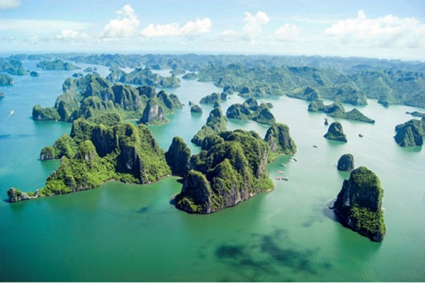 Halong Bay has a high density of rocks, caves and islands.
