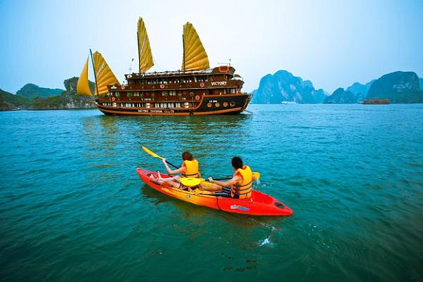 A glimpse on Halong Bay's beauty