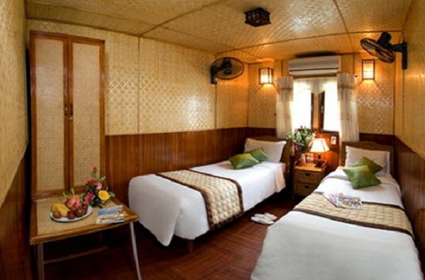 Huong Hai Junk cabin