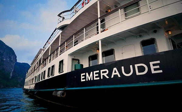 Emeraude Cruise on Halong Bay