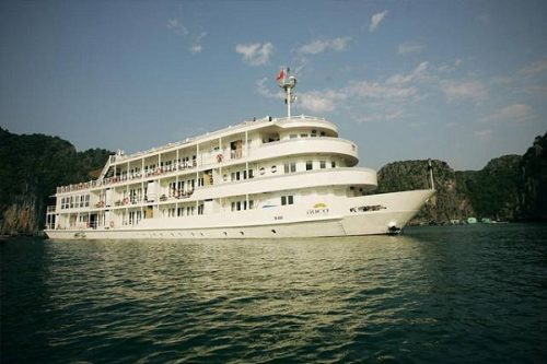 Au Co Cruise, cruise offers long and unique journey on Halong Bay