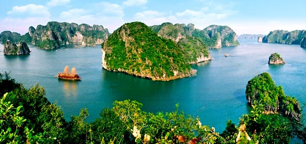 Ha Long bay is beautiful as a myth
