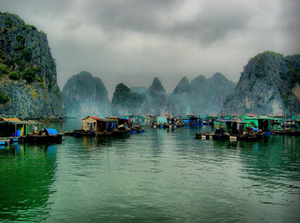 Bad weather in Halong