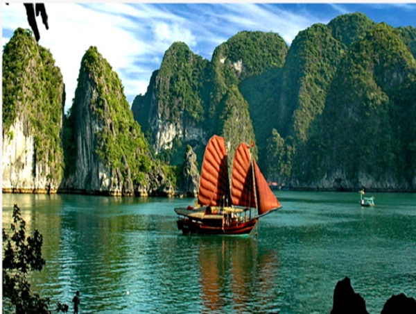 Good weather in Halong Bay