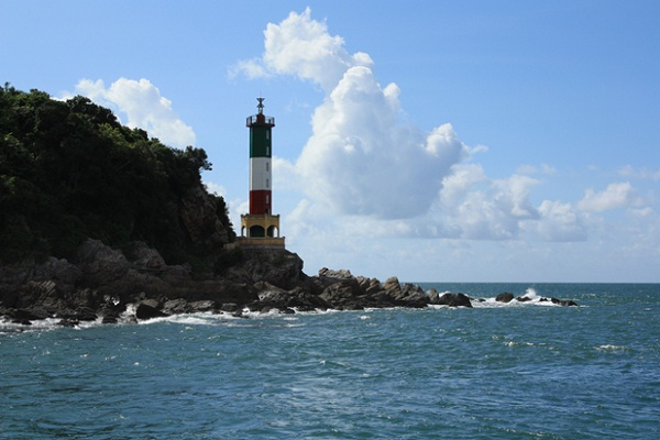 Co To Lighthouse is the symbol of the island