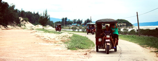 Tuk tuk is main means of transportation in Quan Lan
