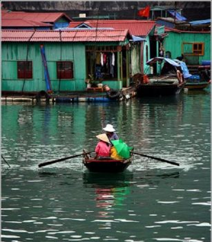 Vong Vieng floating village - Flickr