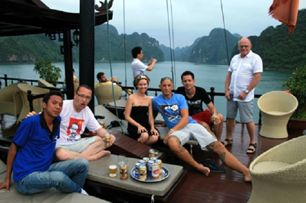 Funny moment with the tourguide in Halong Bay