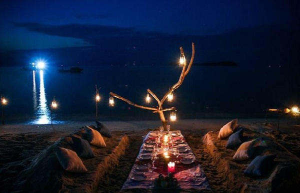 A unique barbeque party on the beach