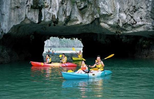 Kayaking, a kind of paddling