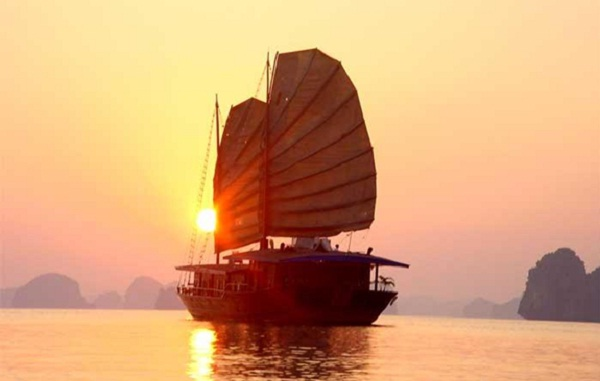 Sunset on Halong Bay beaches