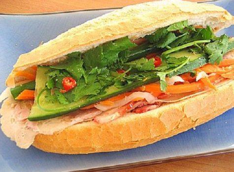 """""""Banh mi kep thit"""" (Vietnamese sandwich)"""