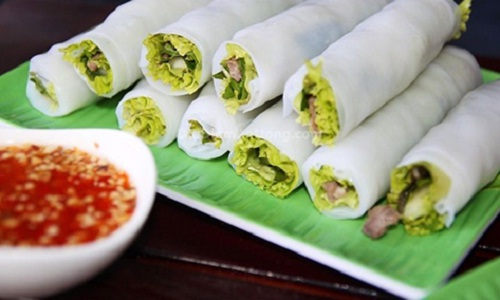 """ Rolled Pho""  at the corner of Ngu Xa and Nguyen Khac Hieu Street in Ha Noi"