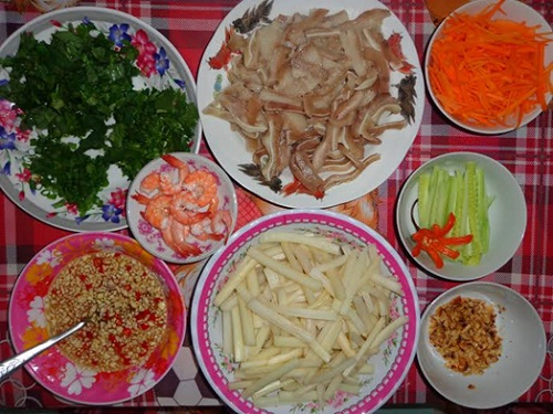 "There are some ingredients to make ""goi ngo sen"" as Vietnamese style"