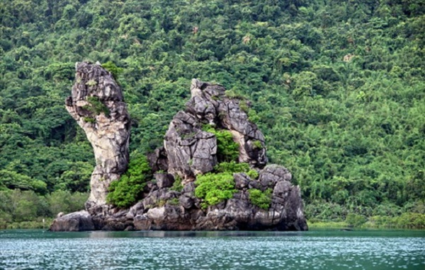 Ba Mun island, the centre ecological zone of Bai Tu Long National Park