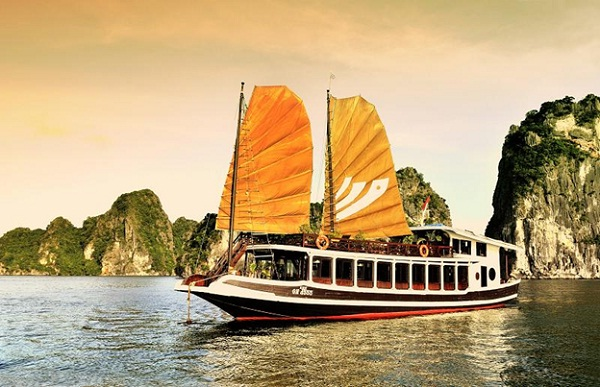 Contemplating landscape and enjoying services on Bhaya Classic Cruises is always an ideal choice