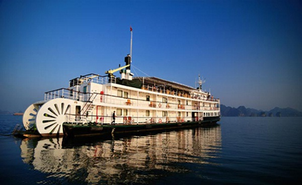 Tourists can have a  great time on Emeraude Classic Cruise
