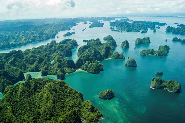 Halong bay is full of islands