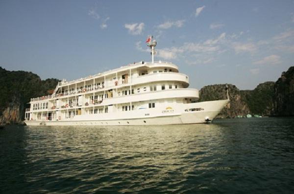 Au Co Yacht