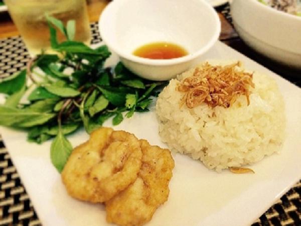 Sticky white squid rice rolls