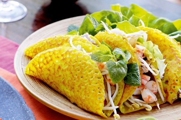 Banh xeo in English can be pancake but is more delicious