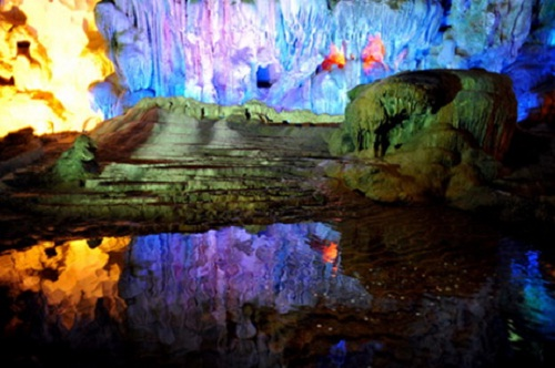 Tam Cung cave