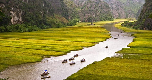 Peaceful landscape of Tam Coc