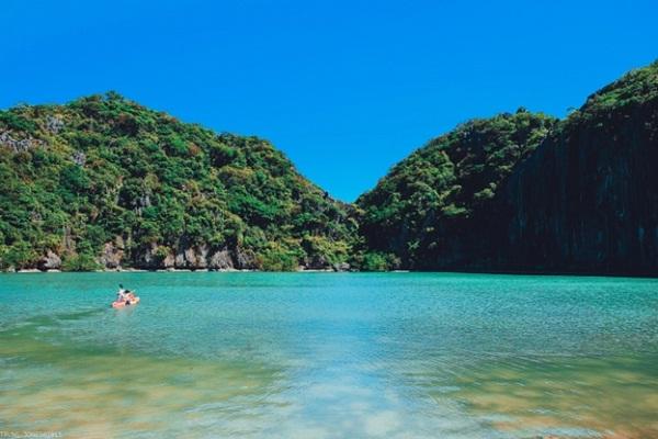 Wonderful water and landscape inside Dragon Eyes Island